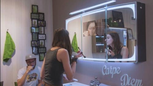 Verse Smart Mirror Make Up
